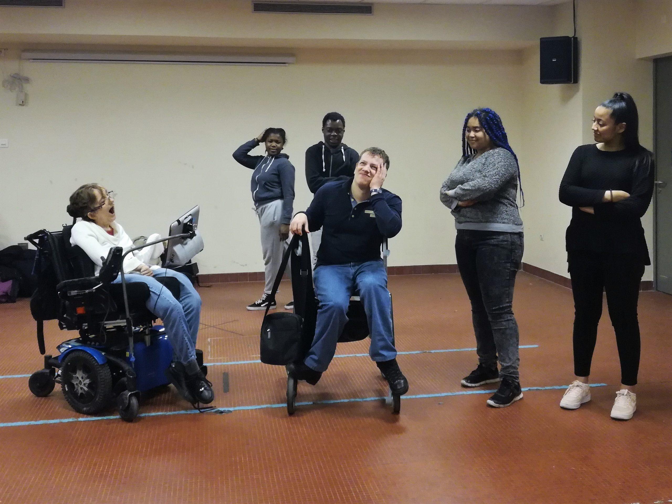 Jeunes De Maison D'accueil Spécialisée Et De Lycée Se Rencontrent Lors D'ateliers Théâtre Et Danse